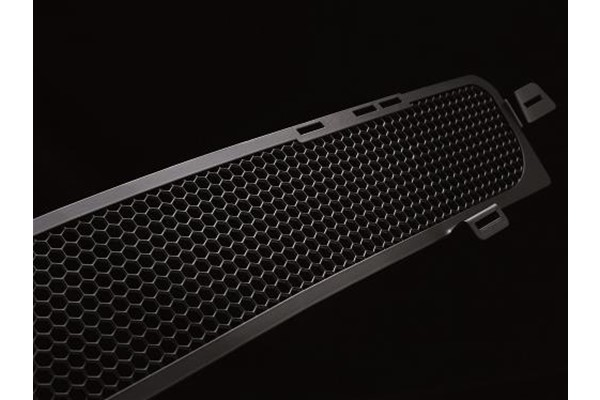 Hex Mesh Lower Grille - Magnum Silver