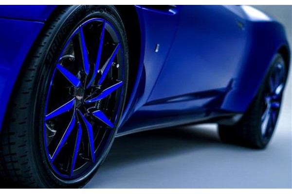 "DB11 20"" 10-Spoke Gloss Black Wheel - Blue Tint"