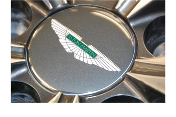 Wheel Centre Badge (Anthracite-Green Inlay)
