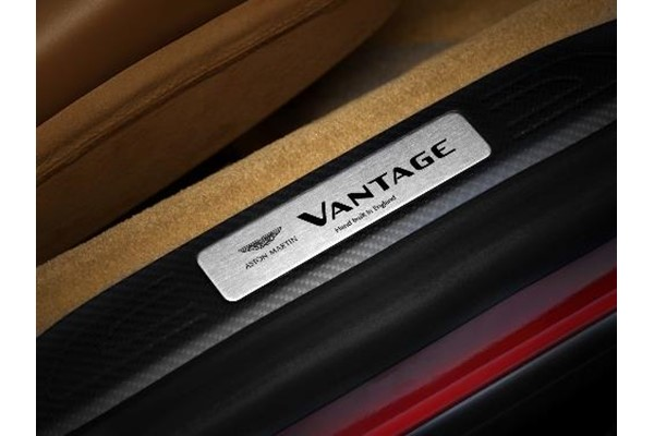 Vantage (2019MY) Carbon Fibre Interior Pack